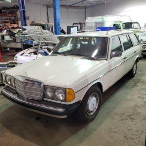 Mercedes 300TD classic car restoration